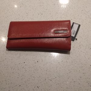 Beautiful faux leather wallet by Kenneth Cole 🌸